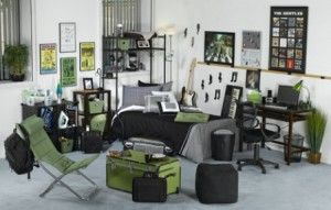 Lot's of ideas for decorating a guy's dorm room. #dormroomideasforguys