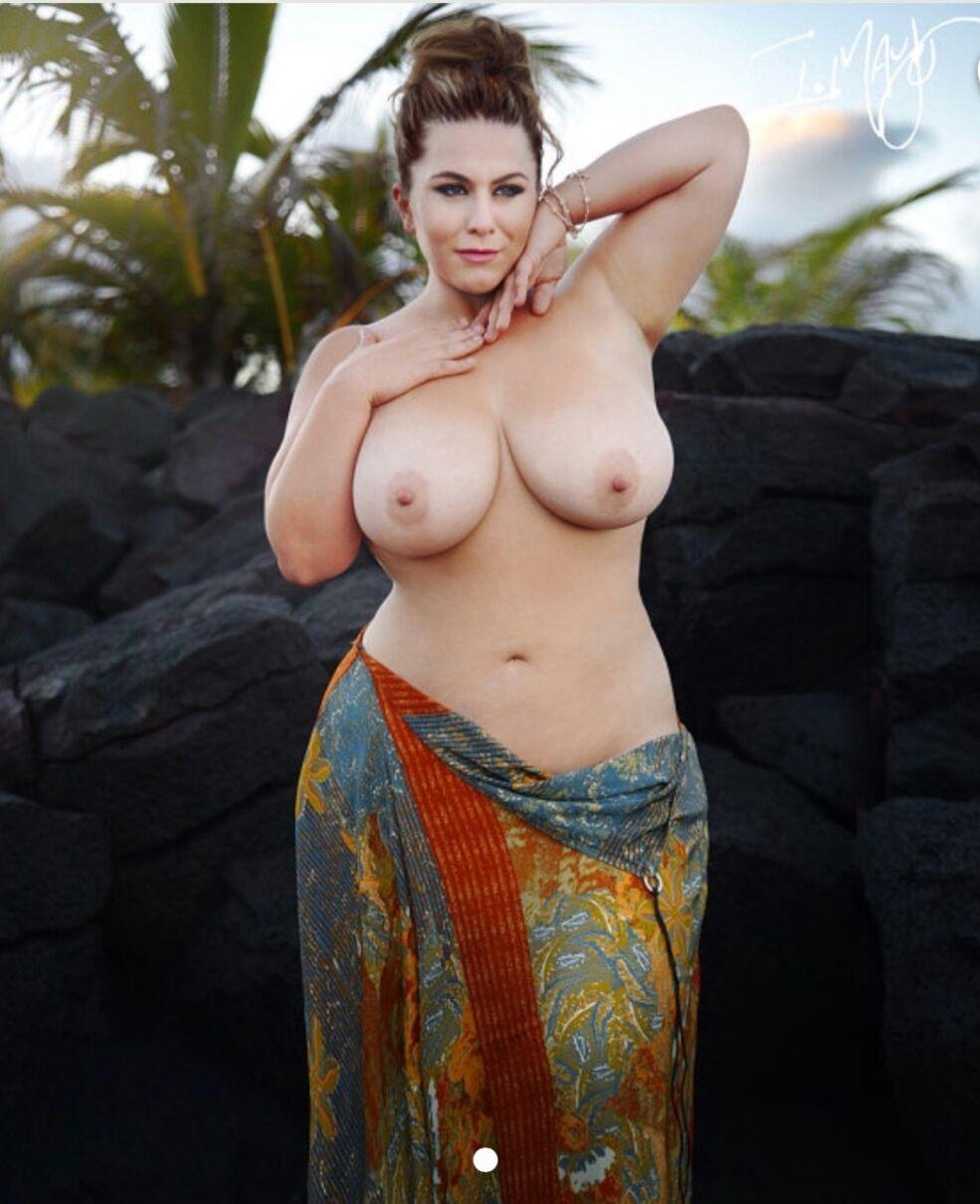 Pregnant nude beach sex