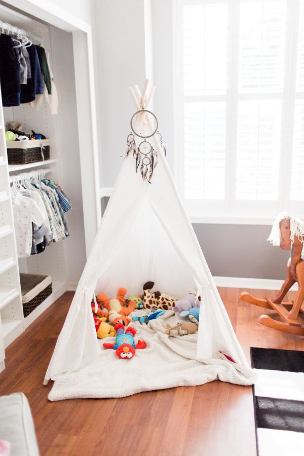 Bohemian stuffed animal teepee: http://www.stylemepretty.com/living/2016/10/11/proof-that-a-black-and-white-color-palette-is-as-timeless-as-they-come/ Photography: Harmony Lynn - http://www.harmonylynnphotography.com/