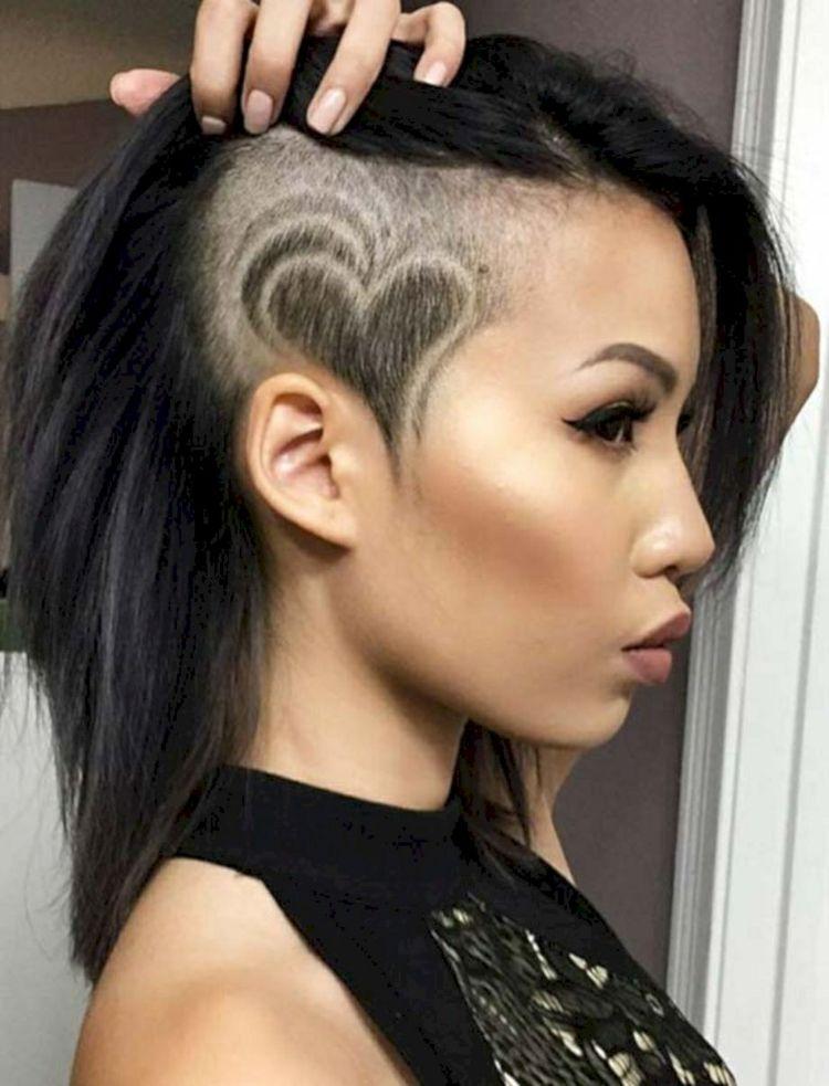 Langes Haar Trendfrisur Damen Tattoo Einrasiert Herzen Hairstyles Tattoo Frisur Ideen Kurzhaarfrisuren Haarschnitt