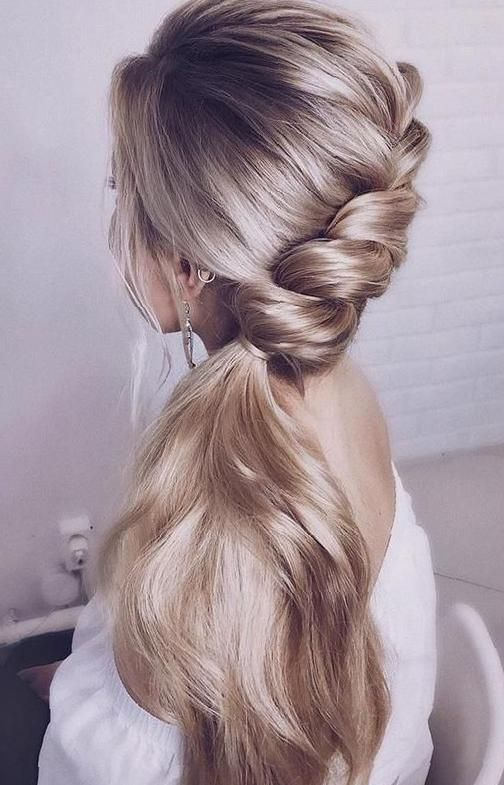 47 Elegant Ways To Style Side Braid For Long Hair Sooshell In 2020 Side Braids For Long Hair Wedding Hairstyles For Long Hair Braids For Long Hair