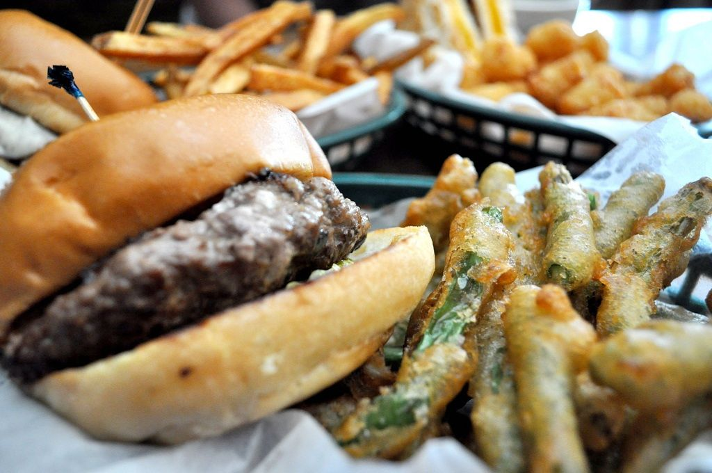 St Paul Mn The Blue Door Pub Home Of The Blucy Lucy Fabulous Burger Oozing With Blue Cheese Fried Green Beans Tots And Spam With Images Food Good Burger Gastronomic