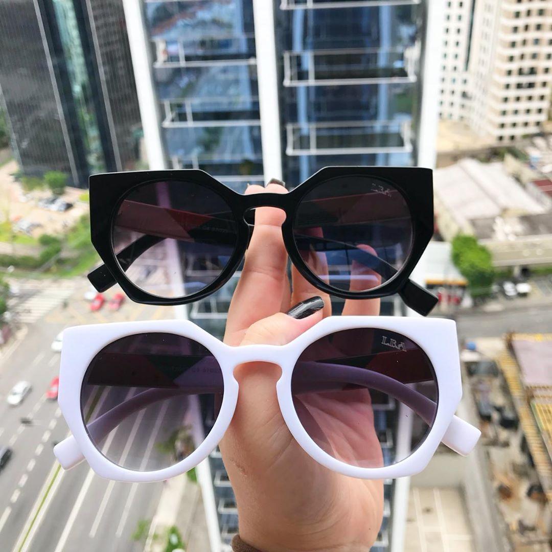 8aa8ff316f2de Óculos Geometric 3.0 Preto e Branco 💰 R 99 👓 PROTEÇÃO UV 400 Formas de  pagament