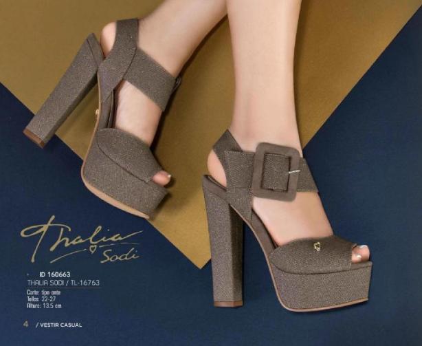 c477e6d54a Sandalias Thalia Sodi. Elegantes sandalias con plataforma.  fashionista   cool  zapatillas  look