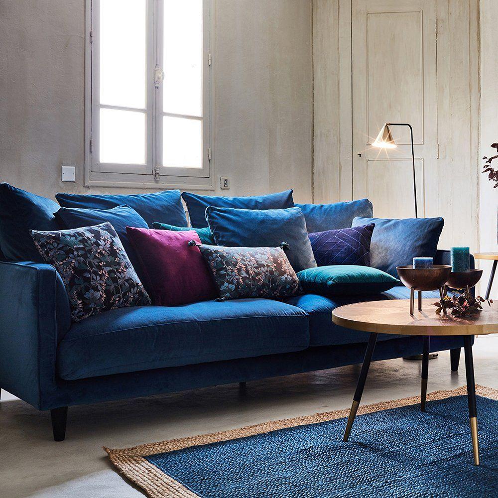 20 Beaux Canapes En Velours Ultra Desirables Salons Chaleureux Canape Velours Bleu Canape Bleu