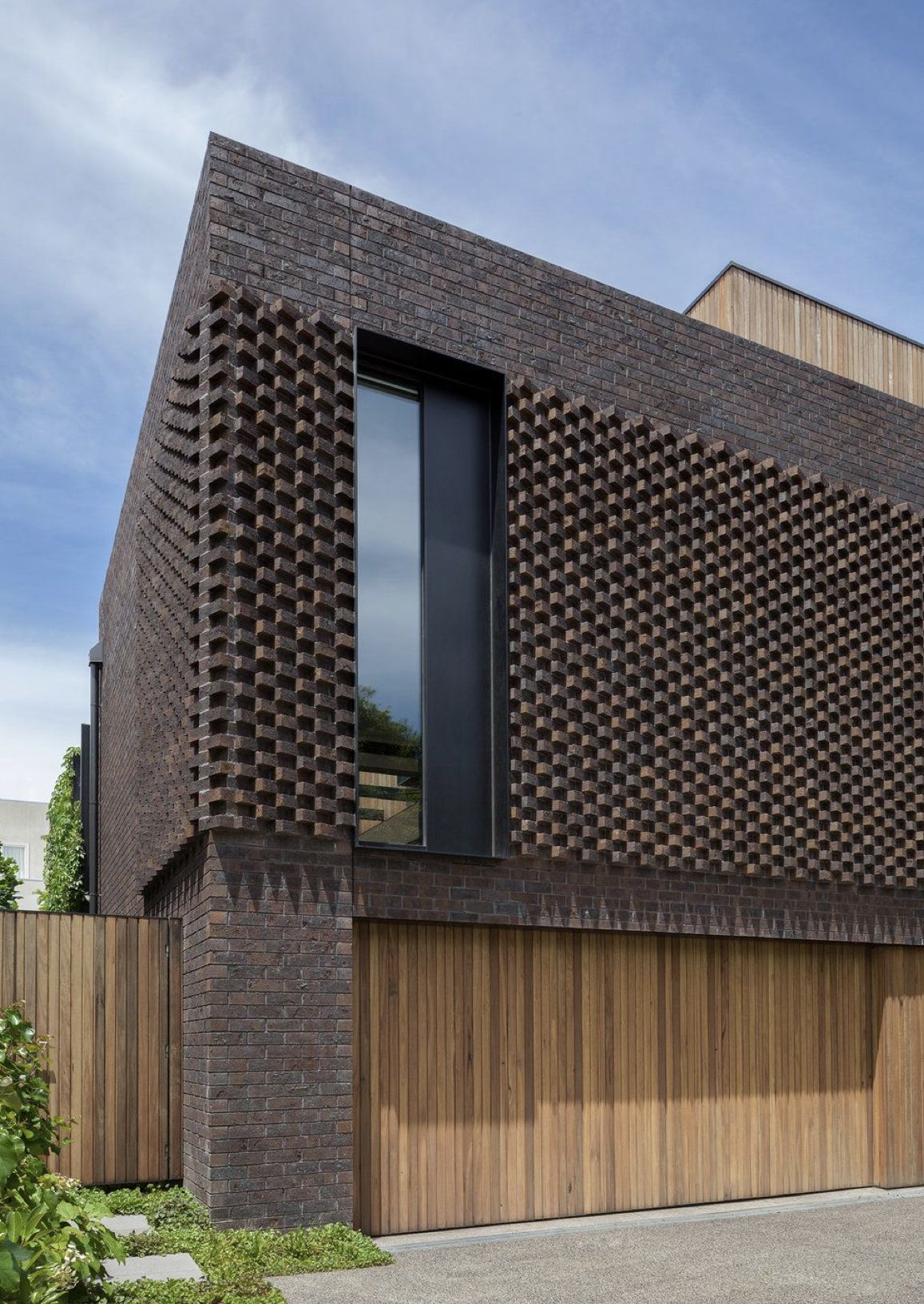Pin By Tony On Wall Screen Facade Architecture Modern Brick House Brick Architecture