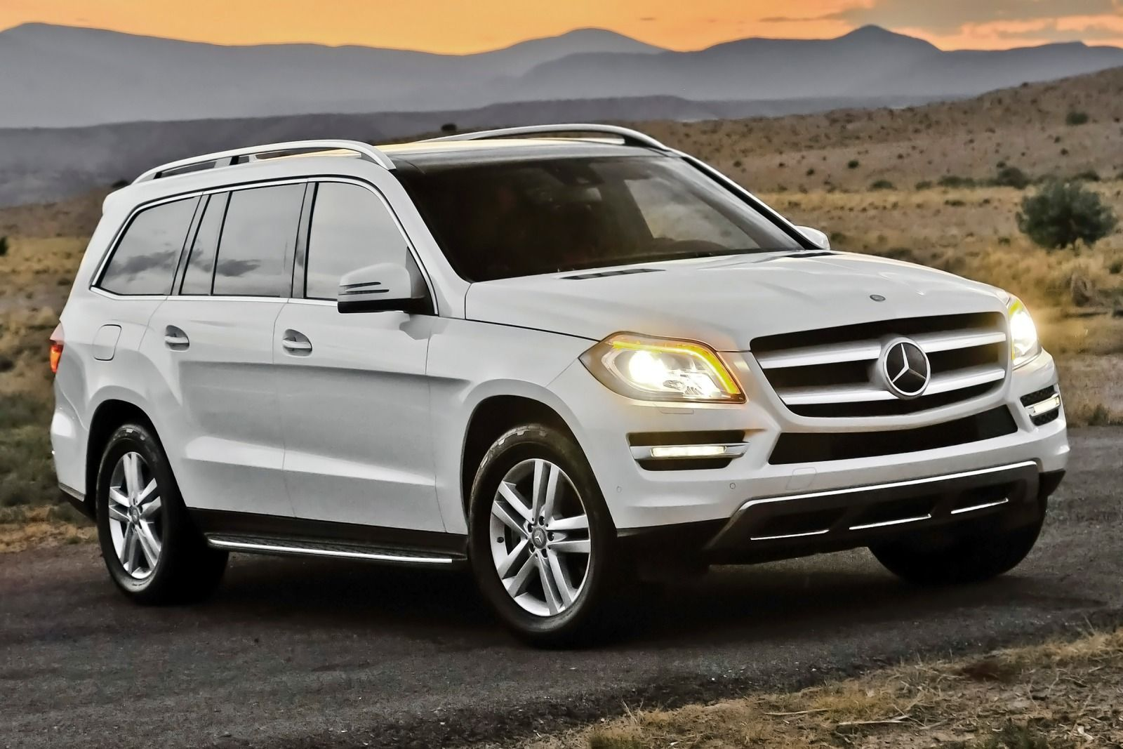 Image gallery mercedes suv for Mercedes benz e class suv