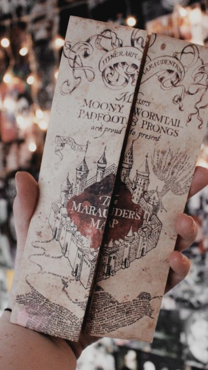 Pin By Mariana Benavides On Bookmarks Harry Potter Wall Harry Potter Wallpaper Harry Potter Pictures