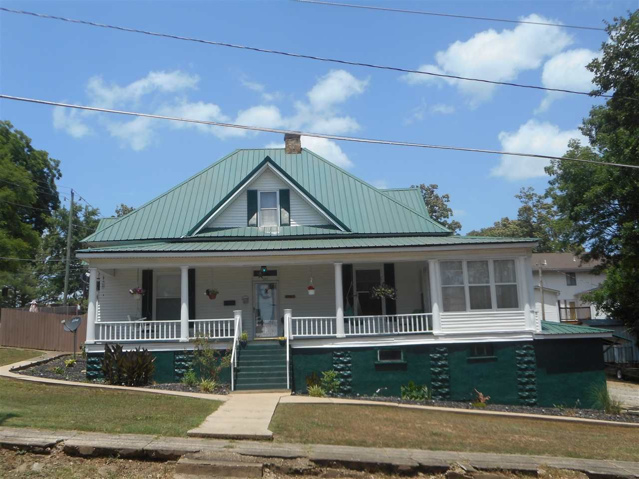 Turn Back The Clock With This Victorian Home 2230 Sq Ft 4 Bedroom