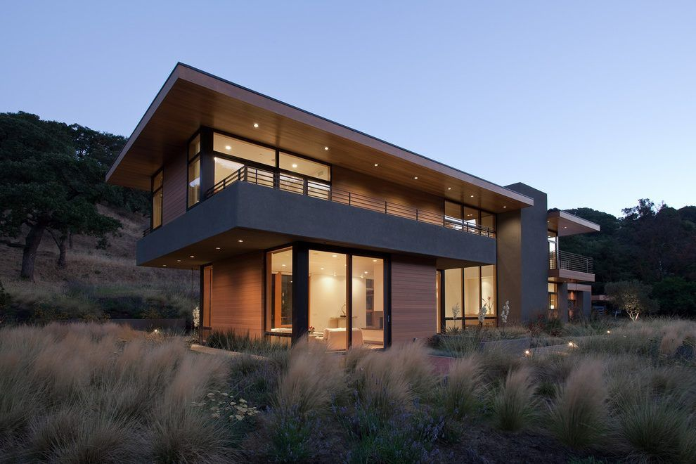 Angular Elements Exterior Modern With Large Overhang San Francisco Architecture House Modern Exterior Modern Balcony