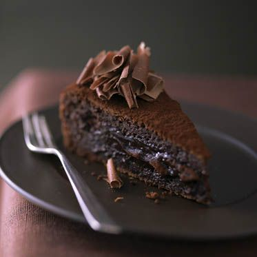 Chocolate cake with currant jelly