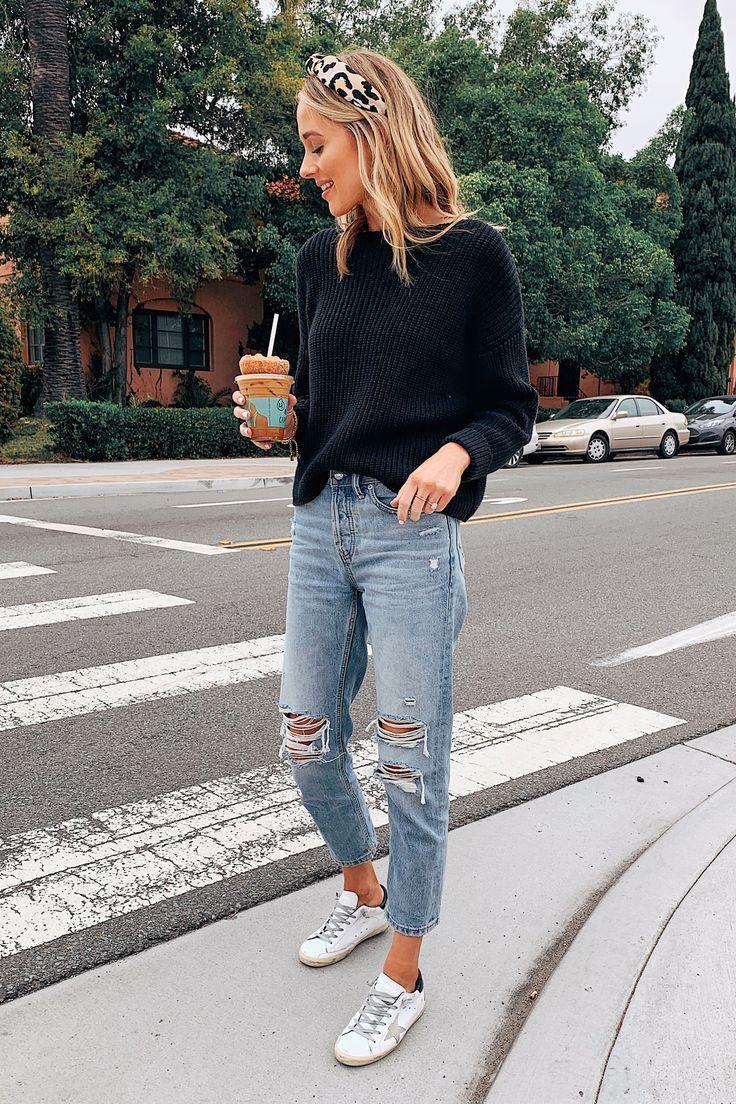 Mode Jackson mit Leoparden-Stirnband, schwarze Pullover zerrissene Mom Jeans Gol #casualstylefall