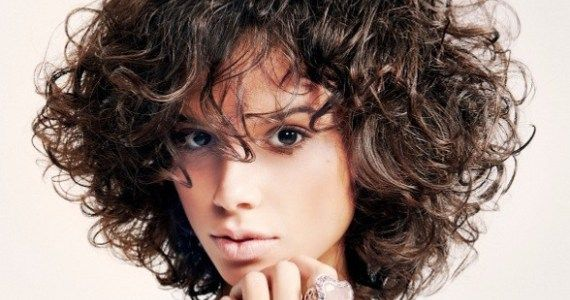 Short curly hairstyle (flash dance style :-)