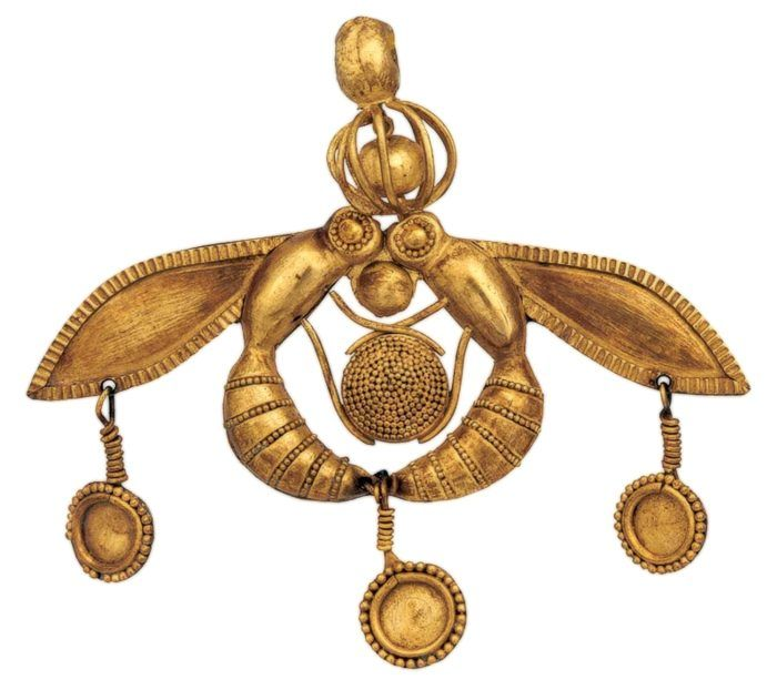 Gold bee pendant from Malia The Archaeological Museum of Heraklion