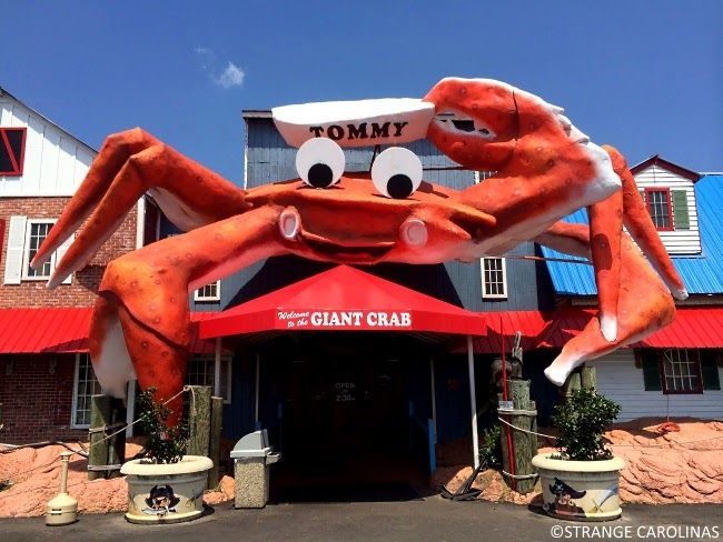 Tommy The Giant Crab Myrtle Beach Sc That Sits Atop Aptly Named Seafood Restaurant Is A Landmark
