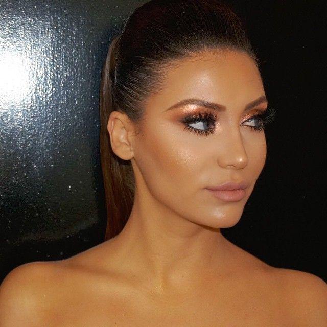Hrush Achemyan Styledbyhrush Bronzed To The Go Instagram Photo Websta Sleek Hairstyles Beautiful Makeup Hair Beauty