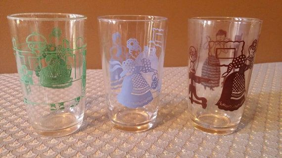 Check out this item in my Etsy shop https://www.etsy.com/listing/473815580/vintage-swanky-swigs-drink-juice-glasses