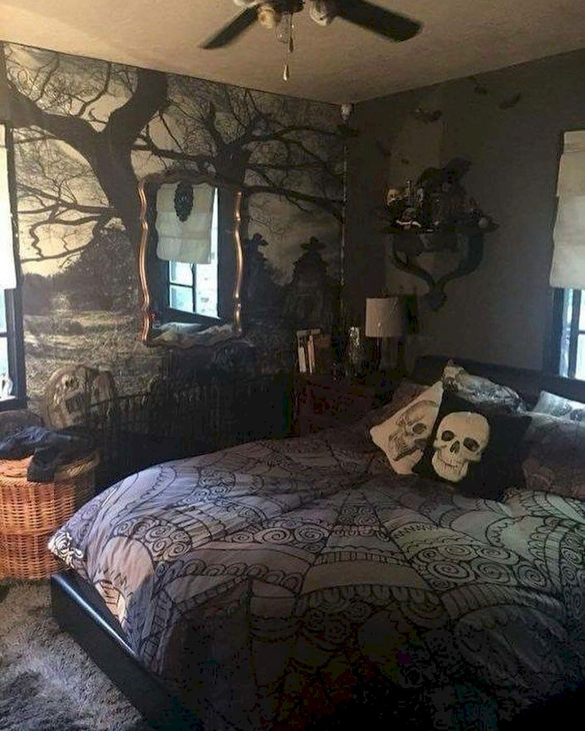 30 Awesome Halloween Decorations For Your Bedroom Gothic Decor
