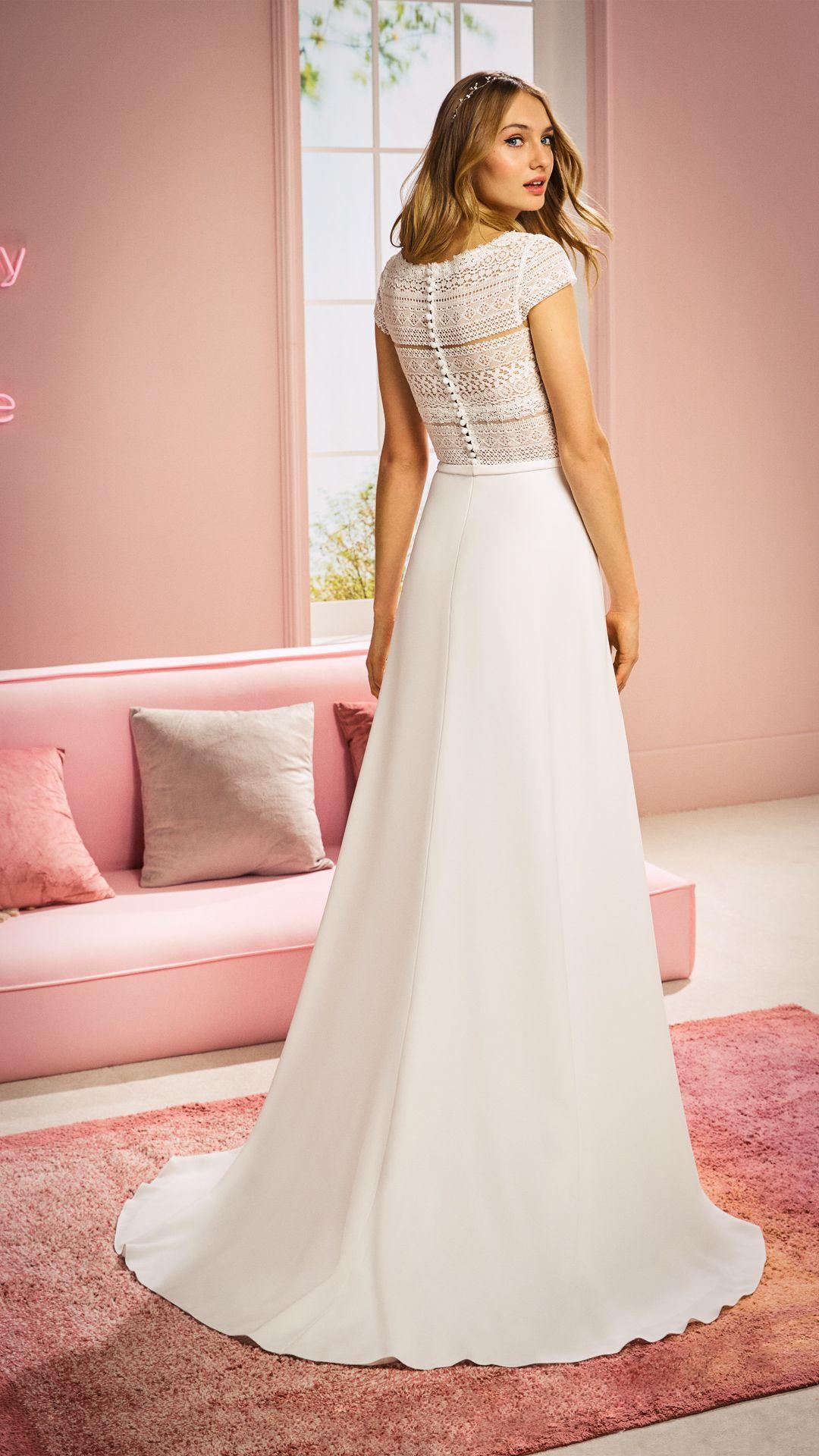 Neue Brautkleider für 20 :: White One  Hochzeitskleider spitze