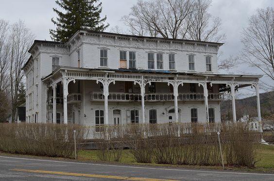 The Lexington House An Abandoned Hotel Or Inn In Lexington Ny Abandoned Hotels Abandoned Houses Old Abandoned Houses