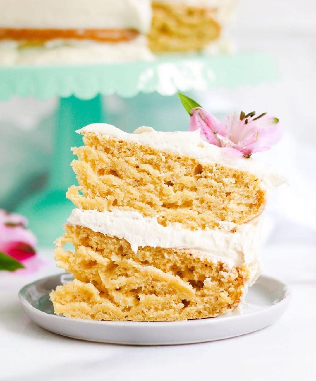 Best Of Vegan On Instagram The Best Vanilla Cake Ever By The Bananadiaries Vegan Vanilla C Vegan Vanilla Cake Vanilla Recipes Best Vanilla Cake Recipe