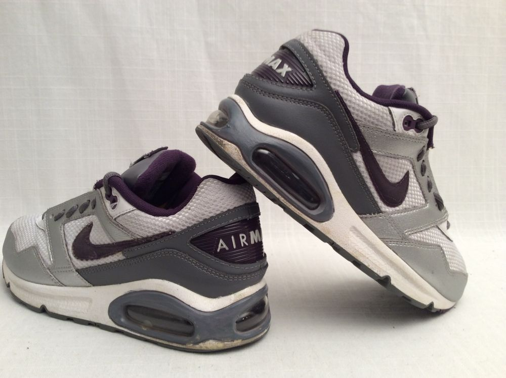 Nike Women's Gray Athletic Shoes Sz 8