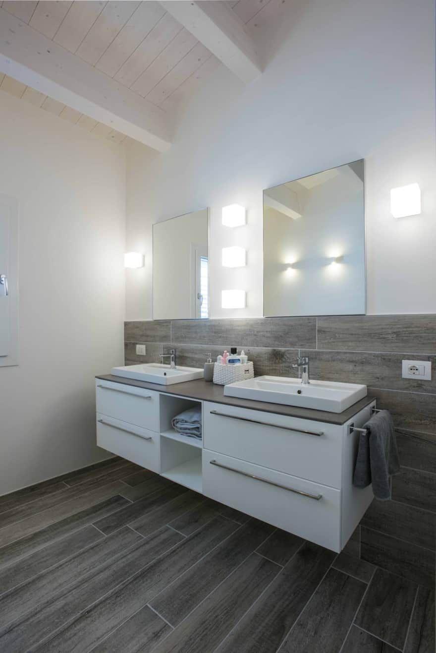 Quanto Costa Ristrutturare Un Rustico bagno moderno: interior design, idee e foto l   arredamento