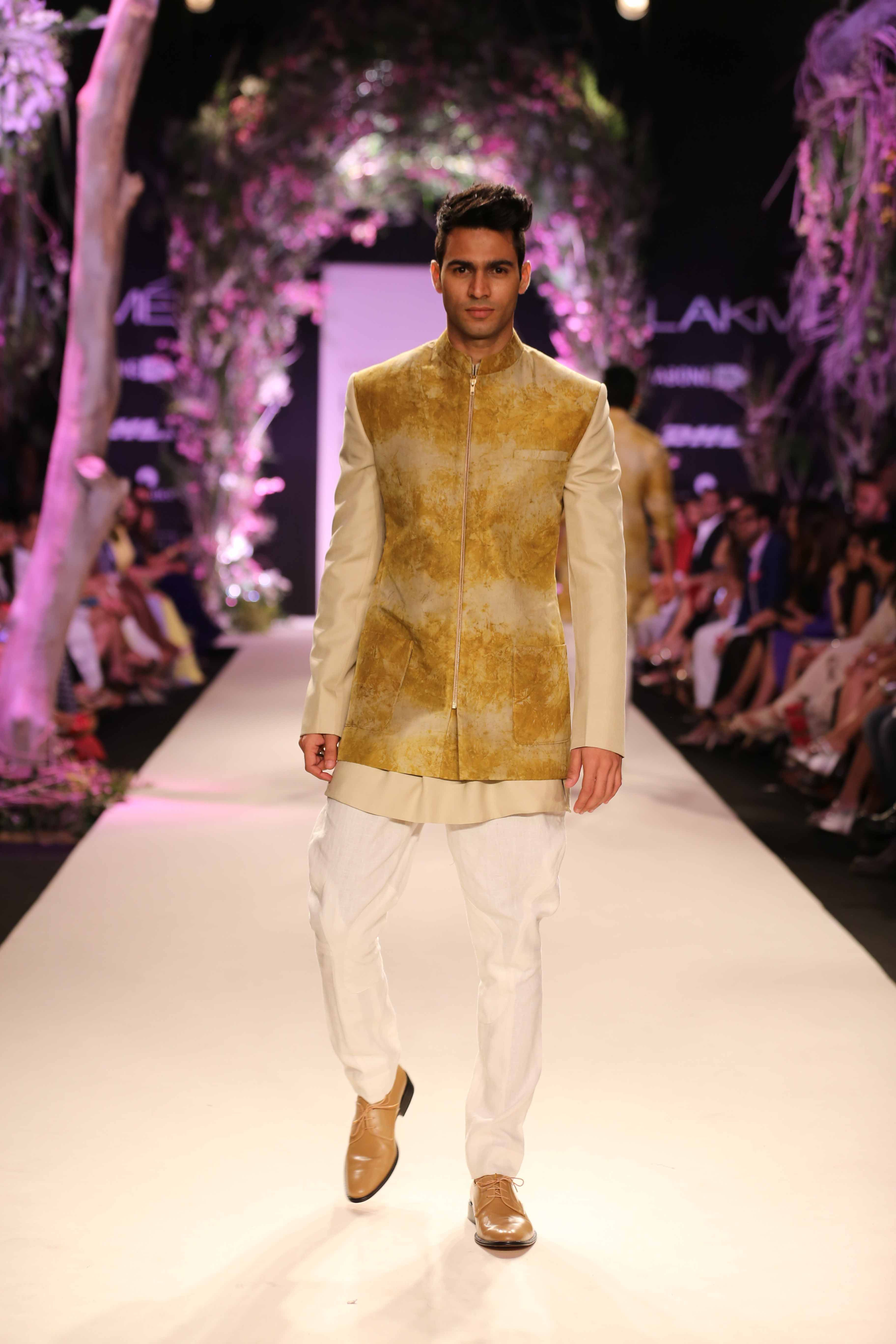 Manish malhotra bridal collection 2014 - Mens Collection Exclusively From Manish Malhotra Lakme Fashion Week 2014