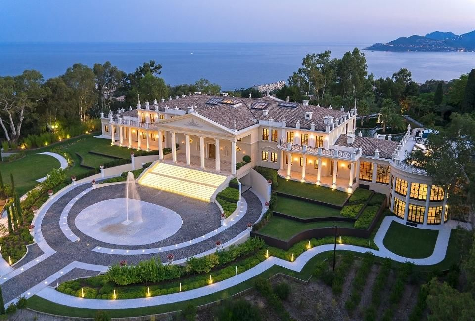 48 Hours In The French Riviera Villa Hopping In Antibes Cannes And More Luxury Houses Mansions Mansions Luxury Homes Dream Houses