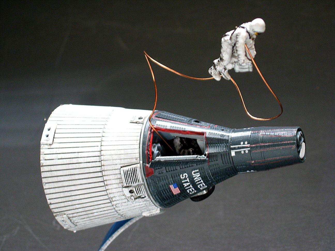dragon spacecraft models - HD1296×972