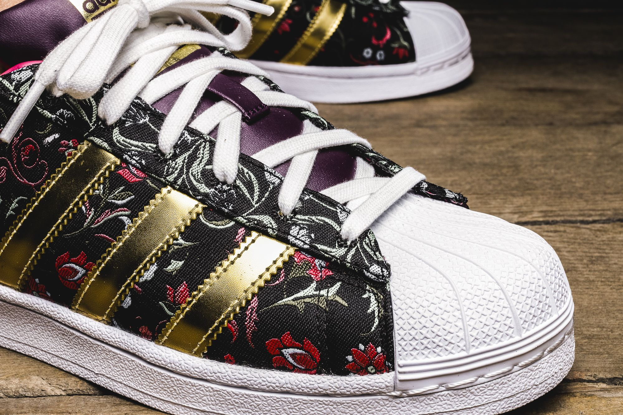 Girls The Adidas Originals Superstar W Is Available At Our Shop Now Eu 37 1 3 41 1 3 90 Madchen Turnschuhe Sneaker Adidas Superstar