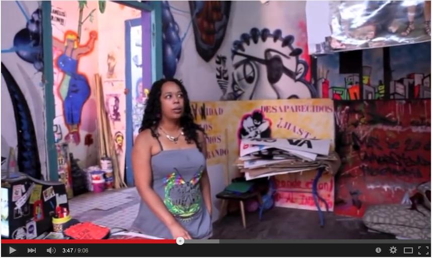 .@PAPOYSUCOMBO @pavese Mónica  es una artista plástica comprometida con los DDHH, pero especialmente de las mujeres,