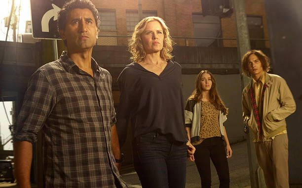 #EW has the exclusive look at the primary family in Fear the Walking Dead! #FamilyDynamics