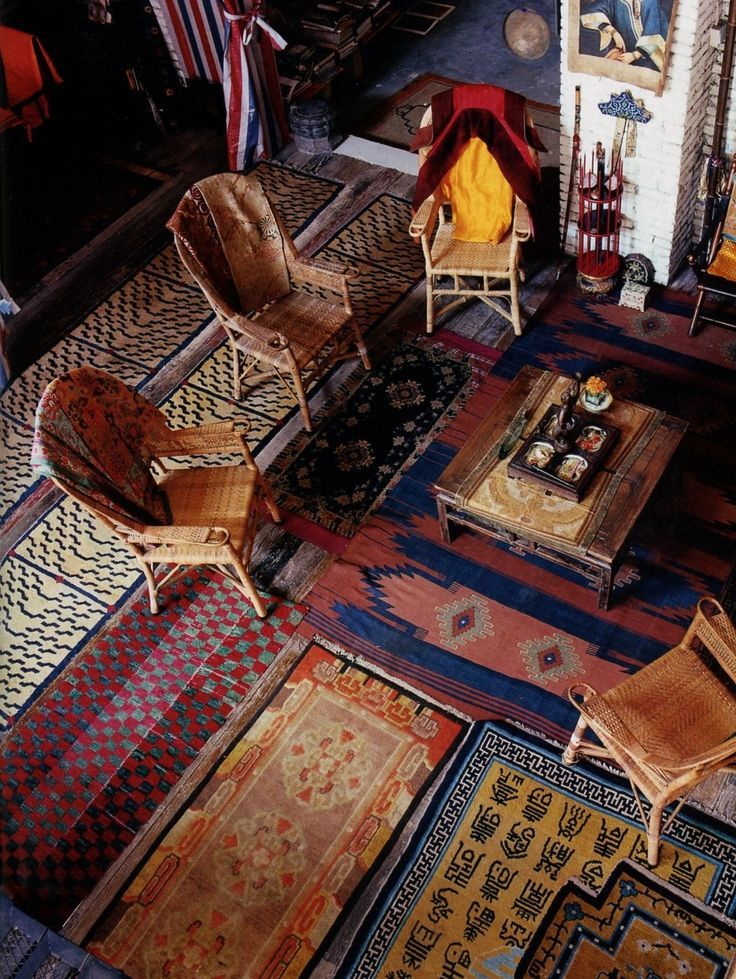 My Grandmothers Home World Of Interiors Love This I Need To Pull Up Alll The Carpeting Lay Tile Then Cover It With Rugs Like These