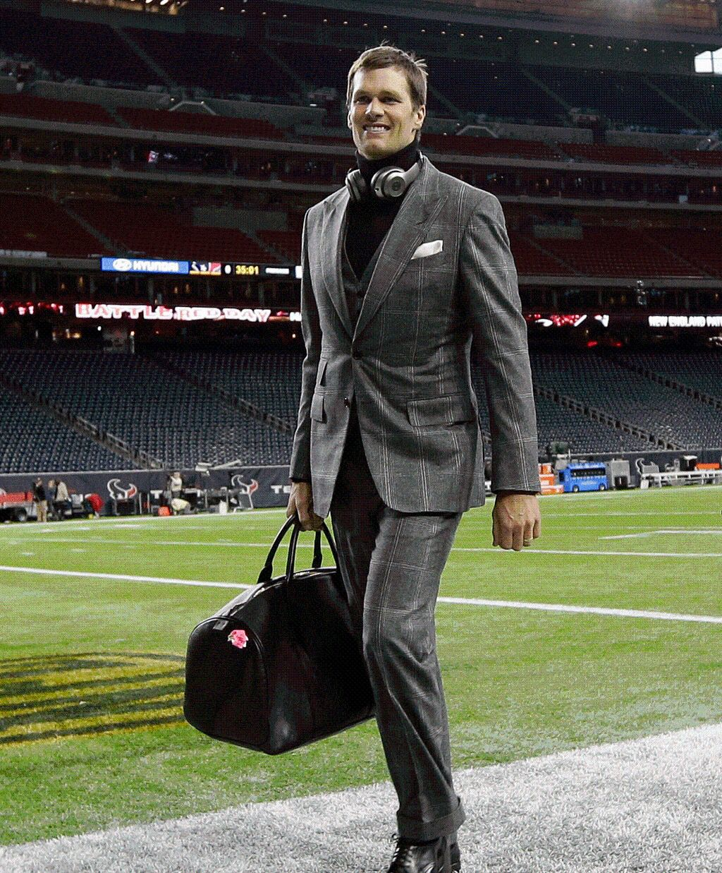 Pin By Tracy On Your Pinterest Likes Tom Brady Team New England Patriots Merchandise Tom Brady