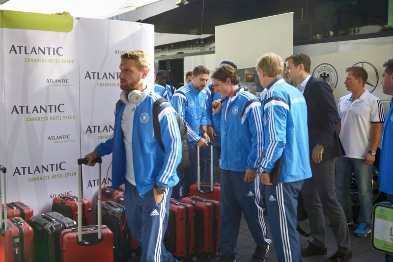 Arrival of the team.