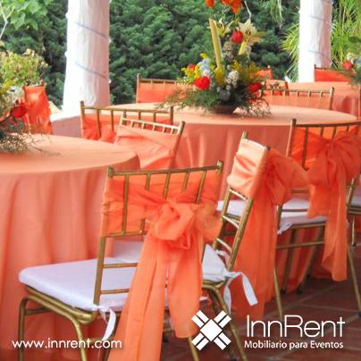 Silla tiffany dorada con detalles en naranja wedding for Sillas naranjas baratas