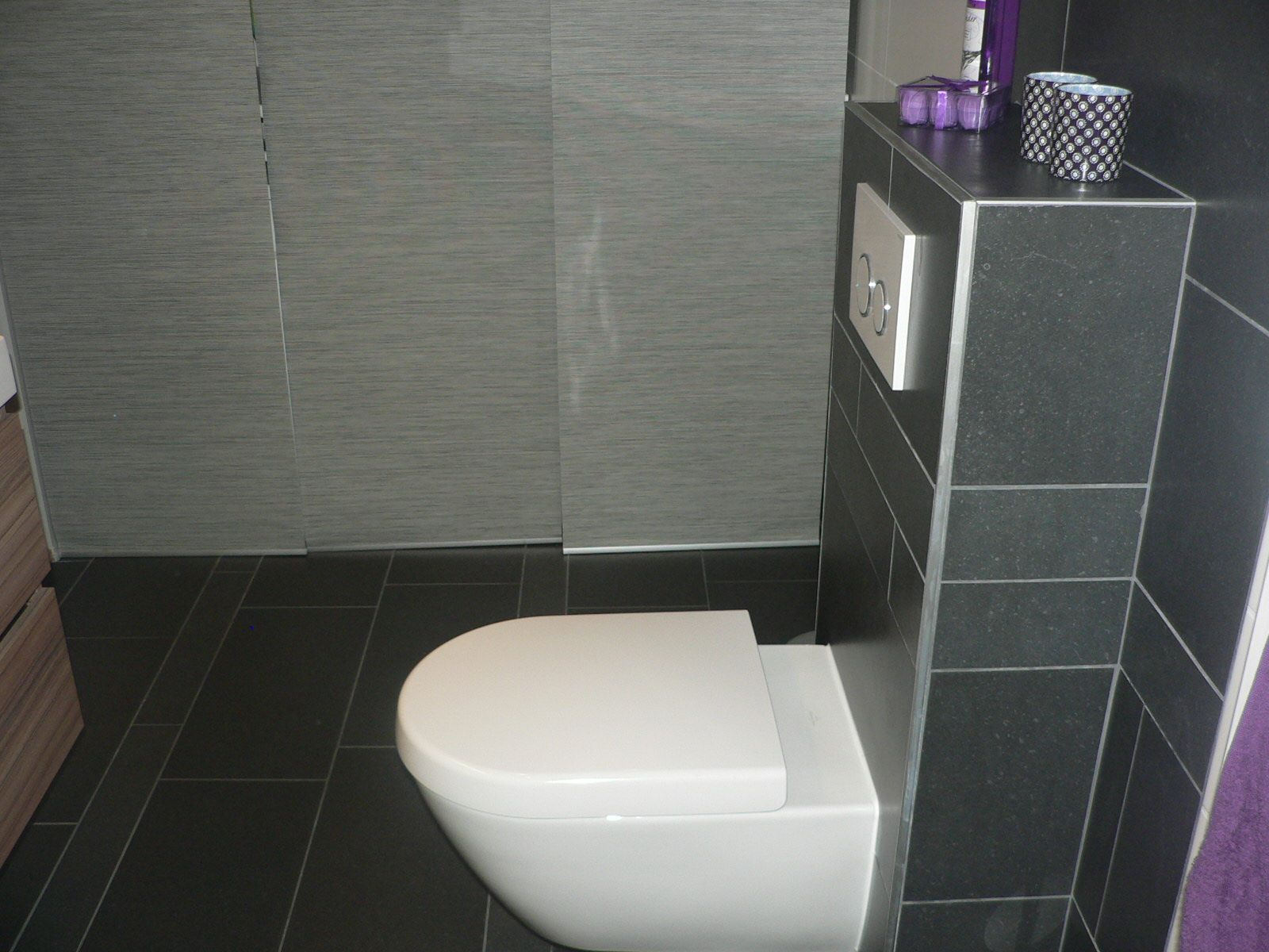 Zelf een hangtoilet plaatsen | bathroom | Pinterest | Laundry rooms ...