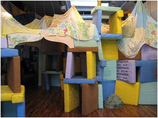Ideas For Pillow Forts: How to Build the Best Pillow Fort of All Time https   www    ,