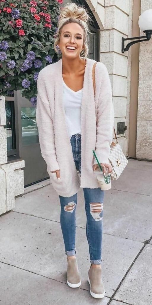 Snuggle with these Fall Outfits for Women - Inspir