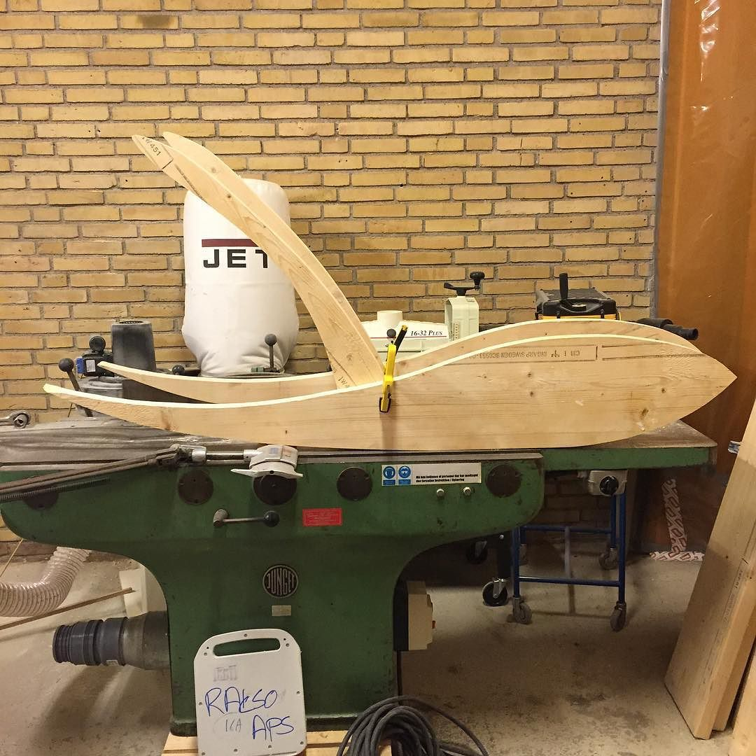 My solar-sled getting ready for your tan this summer #rakso #raksoaps #raksocustombuilt #amager#copenhagen #kbh #københavn #denmark #danmark#jet#jetwoodworking #happy#summer#tan#handmade#fun#smile #f4f #follow #follows #follower #followme #iphone6s by raksoaps