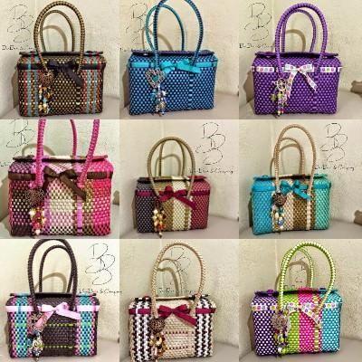 802646b69 Bolsas artesanales.-México -bolsos | yuni | Plastic Canvas, Basket ...