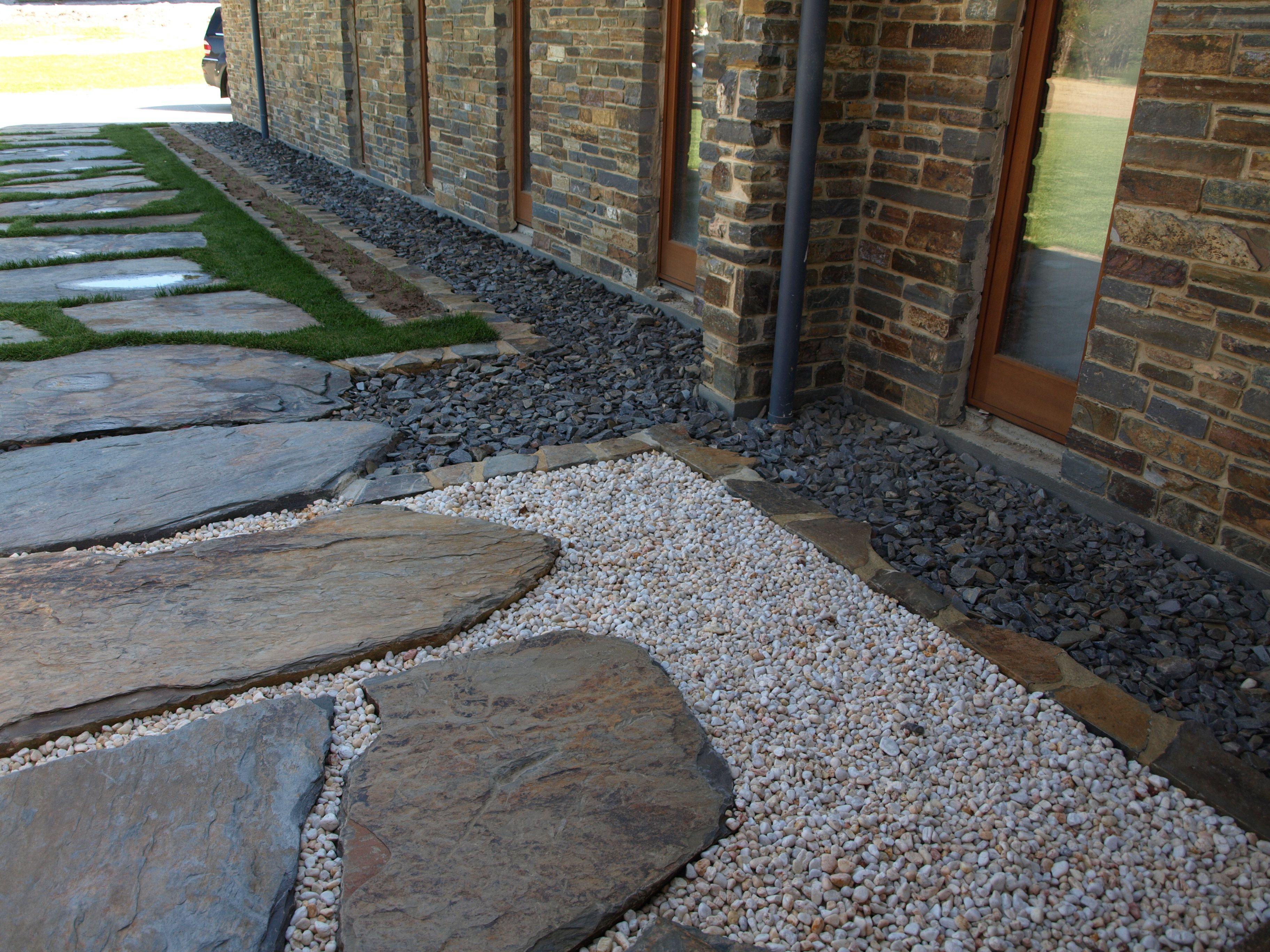 Bluestone Steppers · Side WalkwayStone ... Good Looking
