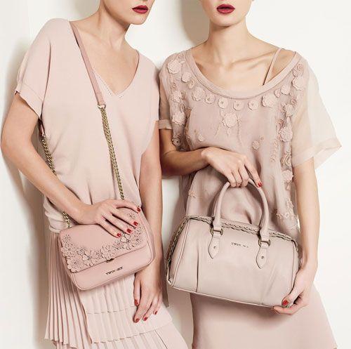 La collezione borse Twin Set primavera estate 2015 è caratterizzata da una  vasta gamma di modelli caa5059ace6