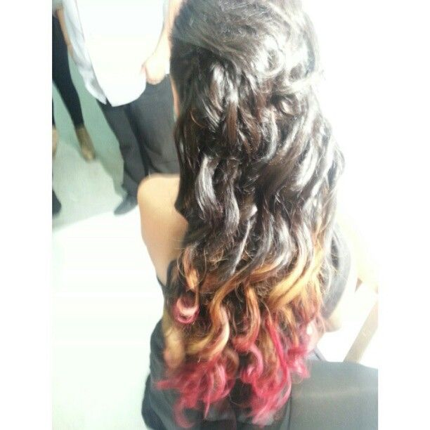 Look at how our stylist dyed this Brazilian Hair . www.DiamondRubyHair.com @DiamondRubyHair