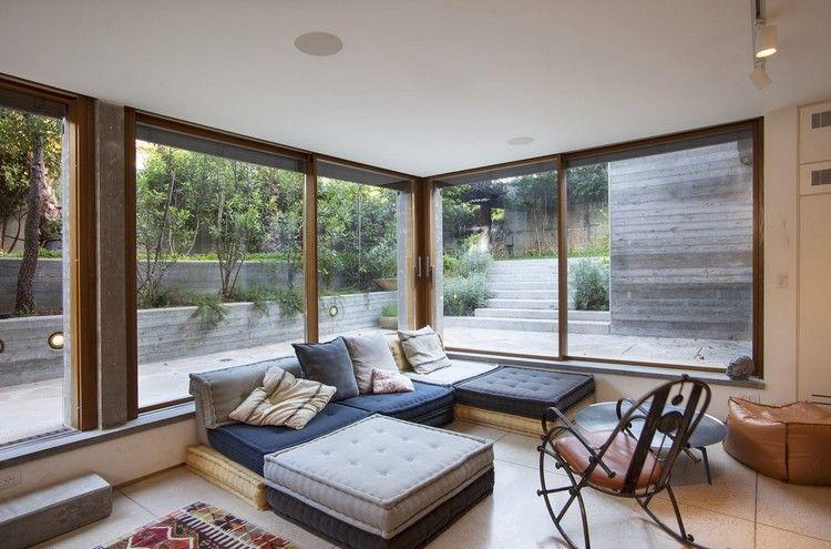 Wunderbar Lichtdurchflutetes Wohnzimmer Glaswände Blick Terrasse Betonwände Außen  #traumhäuser #home #interiordesign #arhitecture