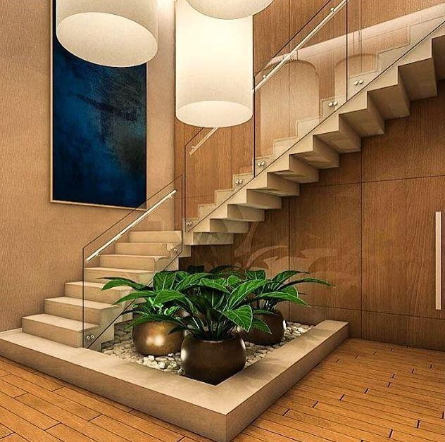 Resultado de imagen para jardin bajo escaleras escaleras for Jardines interiores de casas modernas