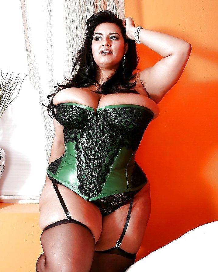 Chubby in green panties