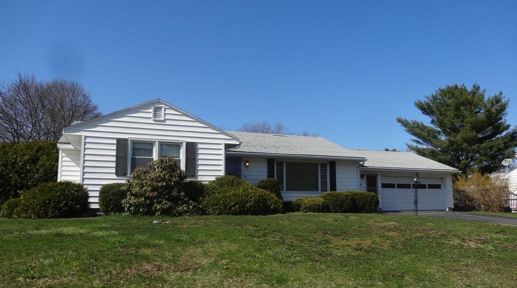 Sold Bangor Maine 106 Clark Avenue Stylish Ranch Home On Sunny