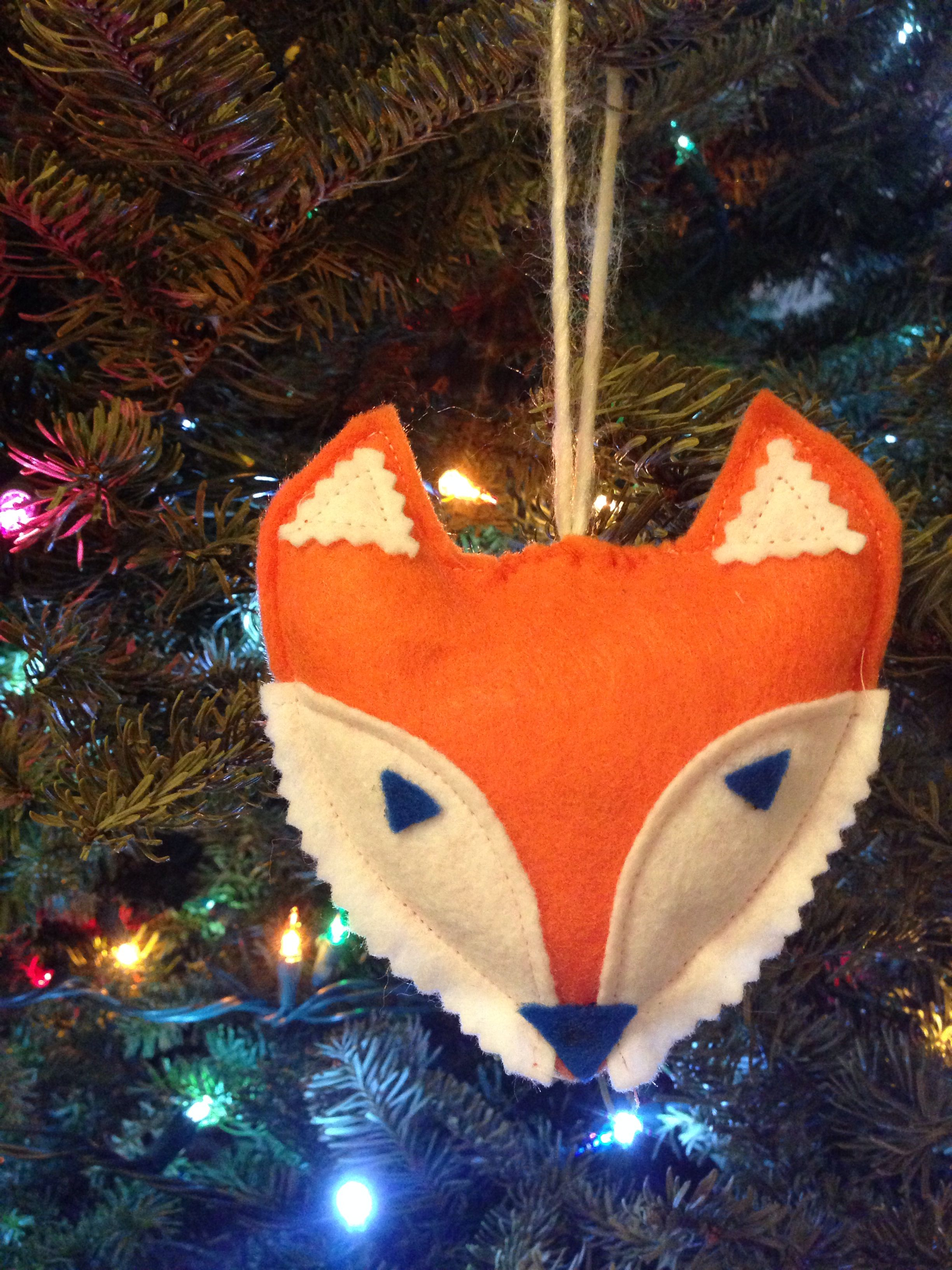 Felt fox ornament. Craft felt, tacky glue, sewing machine.